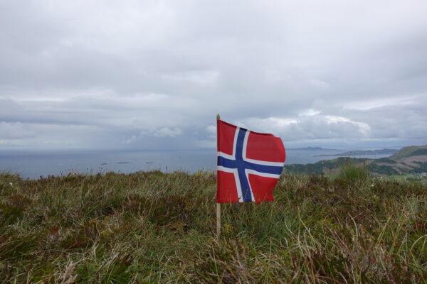 Haramsøya, Norsk Flagg